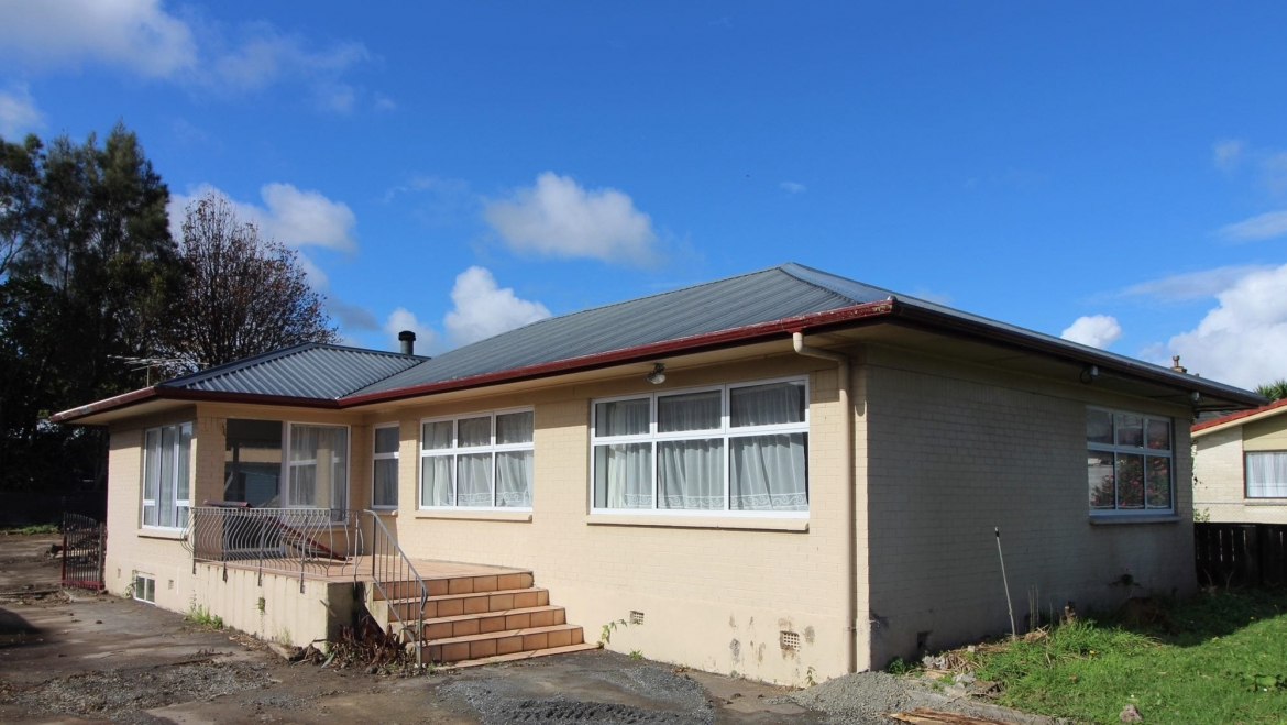 SOLD – Solid Spacious 3 Bed Family Home