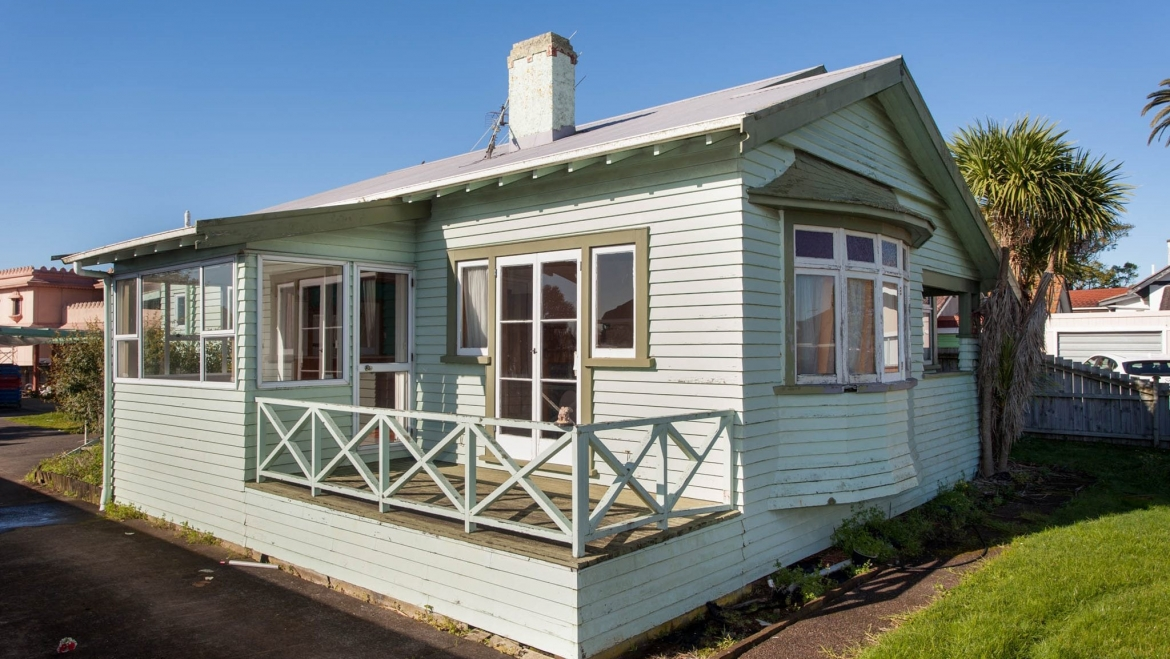 Lovely Original Bungalow