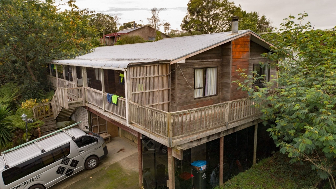 Beautiful Cedar House – Make this your home