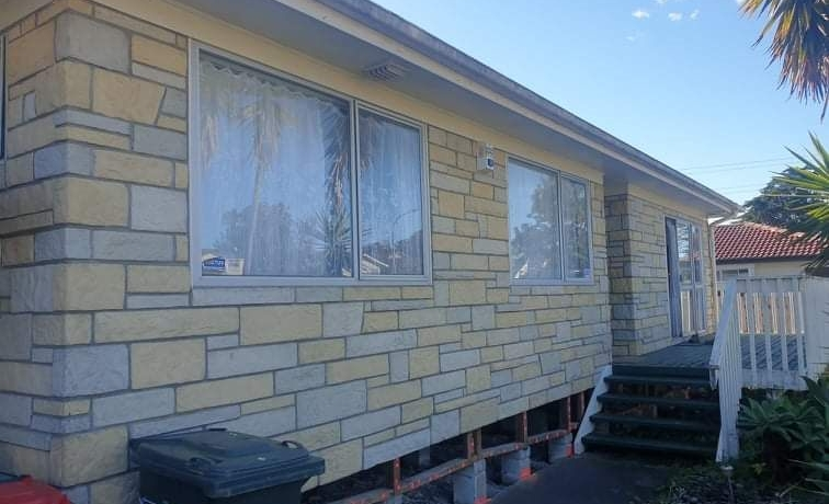THE AVENUES –  HOUSE FOR REMOVAL – 3 bedroom Imitation Brick Cladding